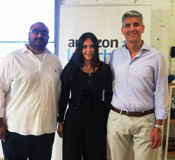 De izquierda a derecha: Aashish Tripathi (Head of Bussines de Amazon Launchpad), Angela Sarmiento (CEO de Janabebé) y Javier Alvira (Head of Amazon Marketplace en España).